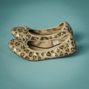 Hanna Andersson Girls Size 3 Gold Julia Flats